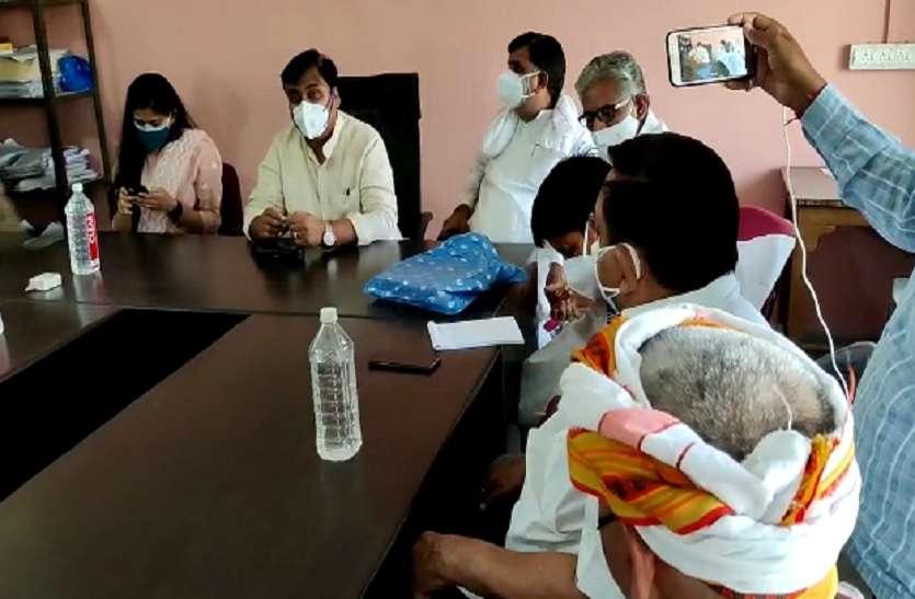 शिक्षामंत्री डोटासरा की पहल पर फतेहपुर में भी आगे आए भामाशाह