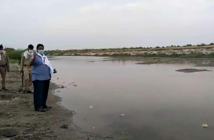 गंगा में नहीं मिले किसी प्रकार के कोई भी शव, व सई नदी में गंदगी को लेकर प्रशासन नही दे रहा है ध्यान