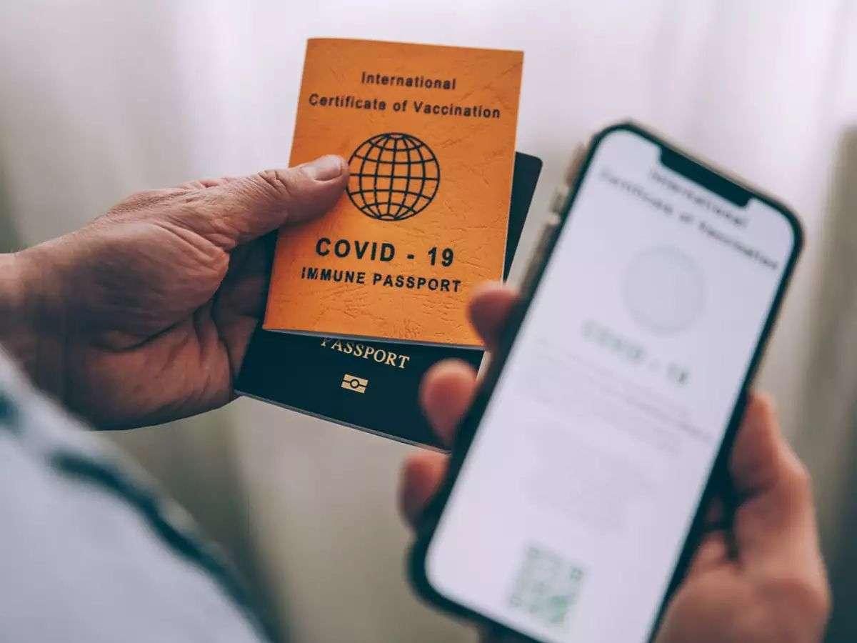 कोरोना महामारी में पॉपुलर हो रहे हैं 'वैक्सीन पासपोर्ट ब्रैसलेट्स'