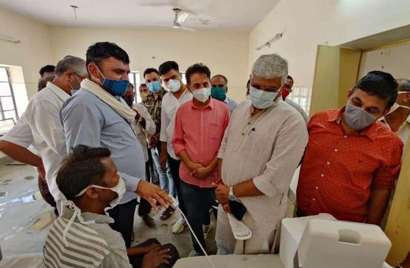 मंत्री शेखावत ने अस्पतालों में परखी स्वास्थ्य व्यवस्थाएं