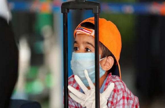 Alert: क्या देश में हो चुकी कोरोना की तीसरी लहर की शुरुआत? उत्तराखंड में 1000 बच्चे मिले संक्रमित