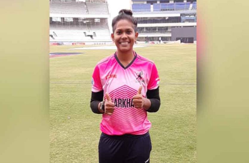 धोनी के टिप्स से मिली महिला क्रिकेटर इंद्राणी को सफलता, अब इंग्लैंड दौरे पर आजमाएंगी उनके टिप्स