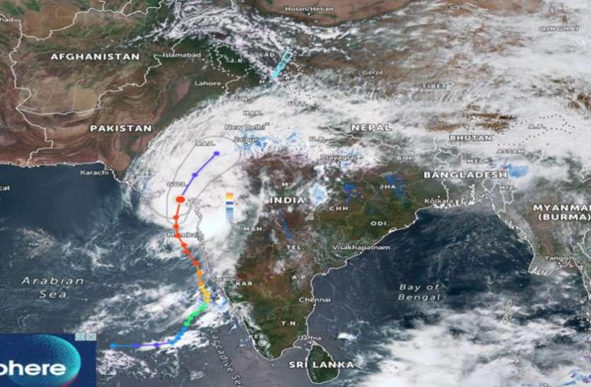 गुजरात से आगे बढ़ा Tauktae, राजस्थान, यूपी, दिल्ली समेत इन राज्यों में दिखेगा असर