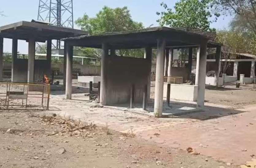 दूसरी लहर ने अप्रेल में मचाया कोहराम जिले के6 नगरों में300 से ज्यादा लोगों ने कहा इस संसार को अलविदा