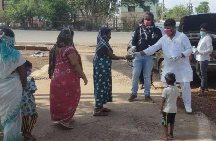 Breaking news कोरोना महामारी में भूखों तक पहुंच रही इनकी रोटी