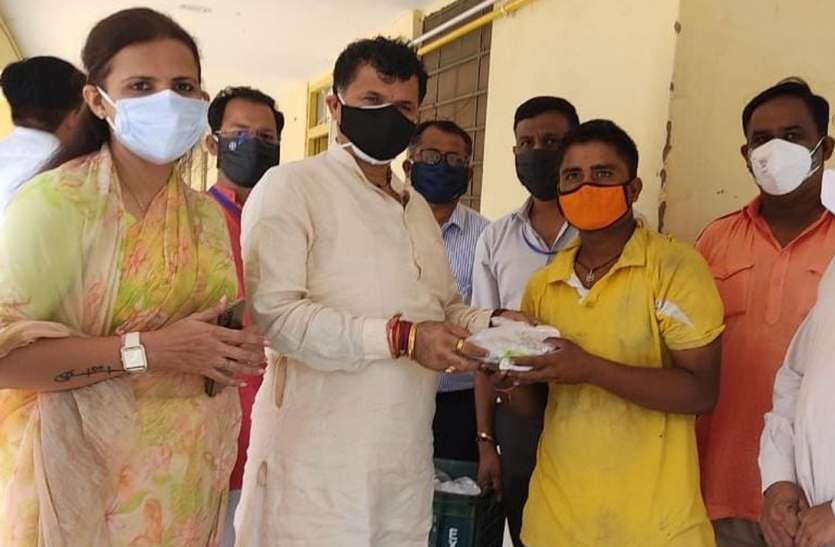 कोरोनाकाल में भोजन की व्यवस्था करना सराहनीय कदम- कृषि राज्यमंत्री