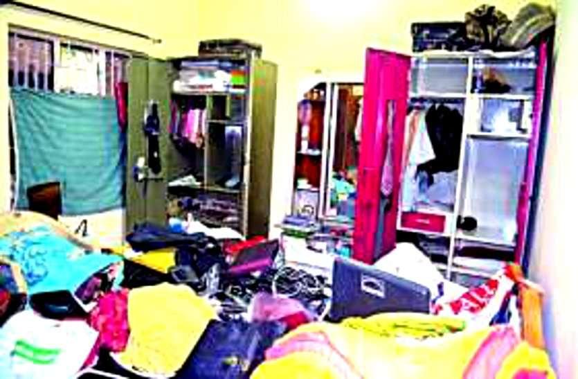 दुर्ग जिले में लॉकडाउन में हुई सबसे ज्यादा चोरी, पुलिस चौराहे पर खड़ी रही इधर घर में घुसकर चोरों ने लाखों पर कर दिया हाथ साफ