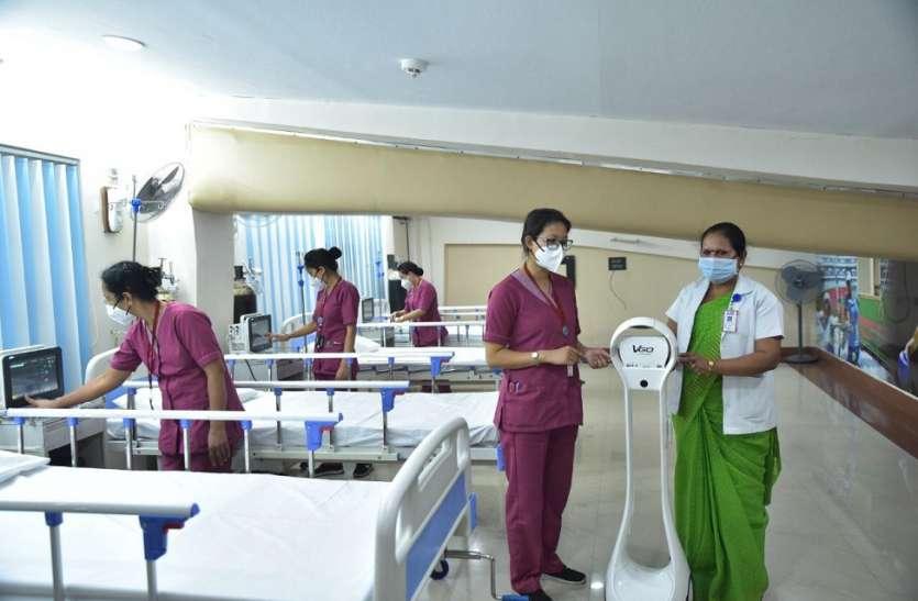 COVID-19: ऑडिटोरियम, स्टेडियम और होटल को बदला अस्पताल में