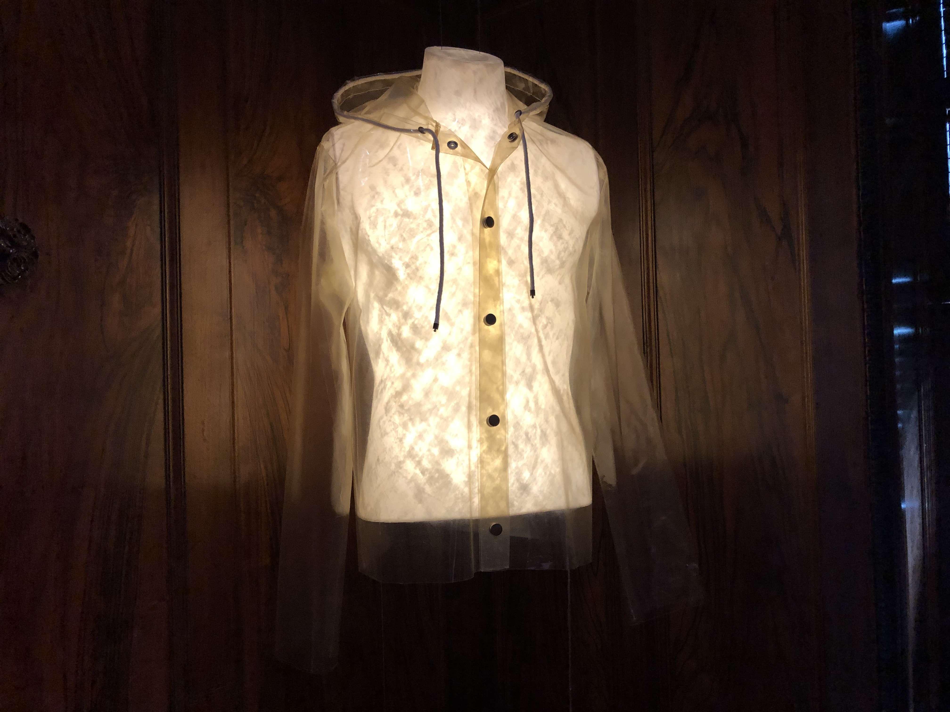 शैवाल से कार्बन-रहित कपड़े बनाती हैं यह फैशन डिजाइनर