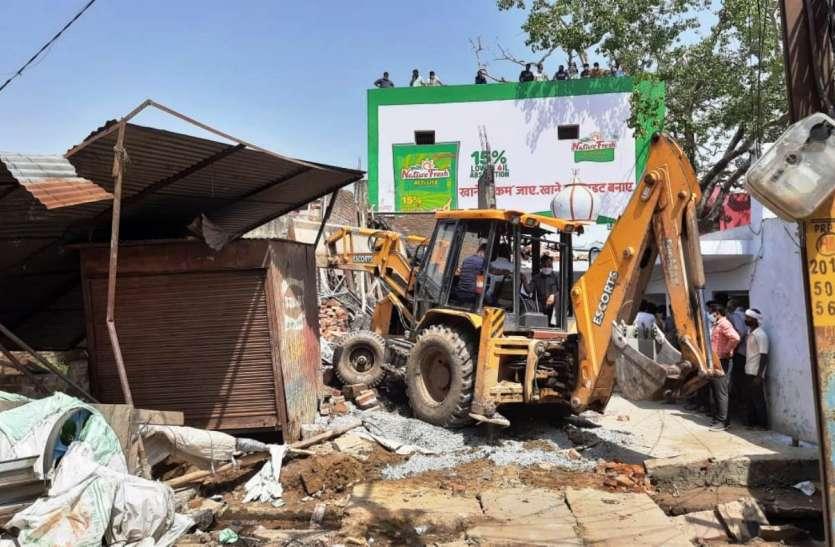 कासगंज: निर्माणाधीन मकान का लेंटर गिरने से तीन की मौत, सात घायल