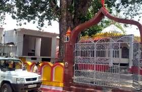 देवी मंदिर से चांदी का मुकुट व आंख नोच ले गए चोर