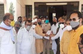 कोरोना संक्रमण में जिंदगी बचाने की जद्दोजहद के बीच सियासत चमकाने में जुटे भाजपा-कांग्रेस नेता