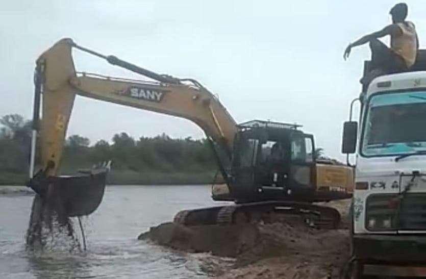 Illegal mining: कार्रवाई के मामले में अपना जिला अव्वल