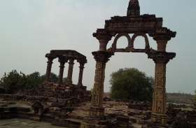 अद्भुद मंदिर के अवशेष, जहां होते हैं विष्णु के दशावतार के दर्शन