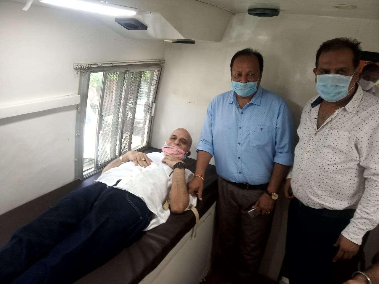 लाइफ लाइन व शिकारपुर सिंधी पंचायत के साथ रक्तदान शिविर