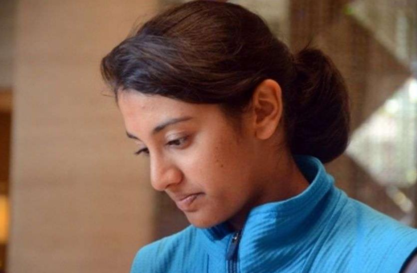 इंग्लैंड पहुंचने के बाद महिला क्रिकेटर स्मृति मंधाना को नहीं आ रही नींद, वजह भी बताई 