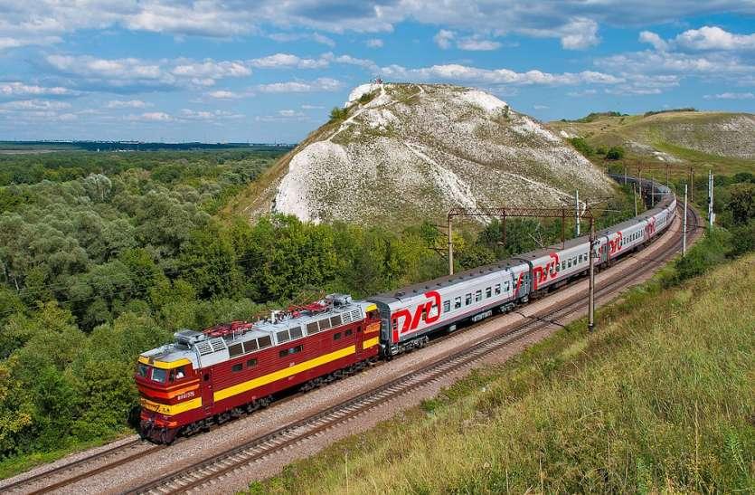 Quick Read: पटरी पर लौटी व्यवस्था, यूपी के लिए चलेंगी तीन नई ट्रेन