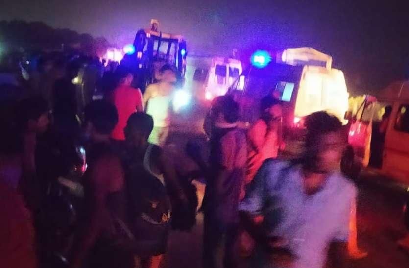 कानपुर मेंबस जेएसए लोडर की टक्कर से 16 लोगों की मौत