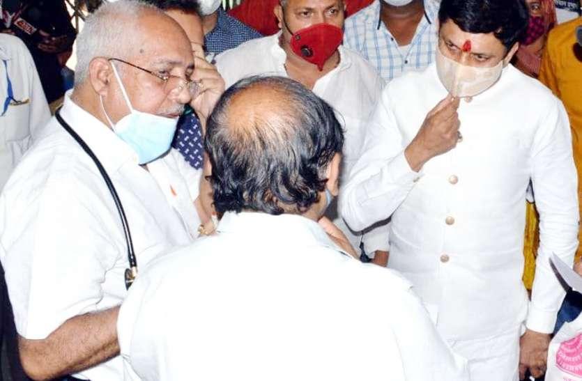 Maihar MLA ने जिला अस्पताल में ऑक्सीजन प्लांट शुरू कराने खोला मोर्चा