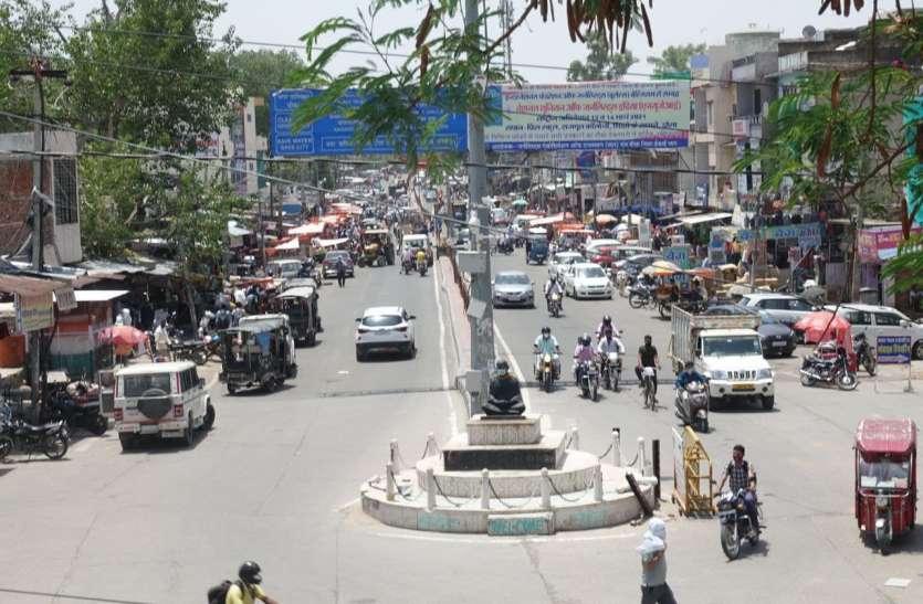 लॉकडाउन में ढील से बाजारों में लौटी चहल-पहल