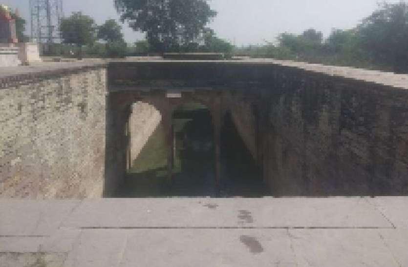 इस गांव की पहचान है रघुनाथजी महाराज मठ मन्दिर व बावड़ियां...खासियत देखकर आप भी रह जाएंगे दंग