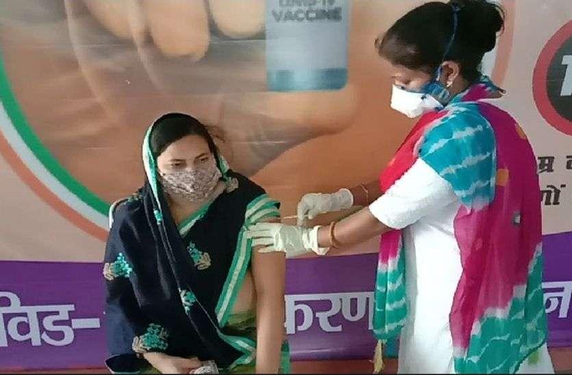 आगामी 10 दिनों में करीब 1 लाख लोगों को लगाई जाएगी  जिले में वैक्सीन