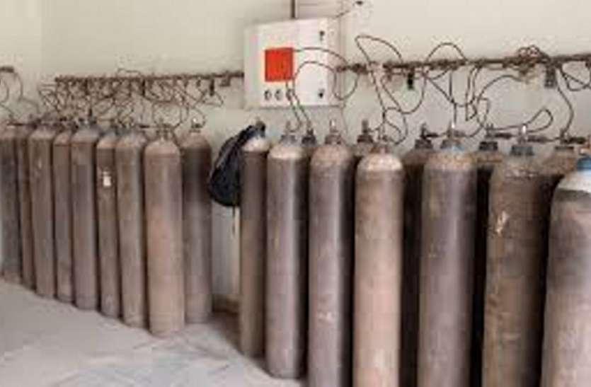 नेताओं की घोषणा तक सीमित ऑक्सीजन प्लांट, 40 दिन बीते काम तो दूर प्रोसेस तक शुरू नहीं हुई