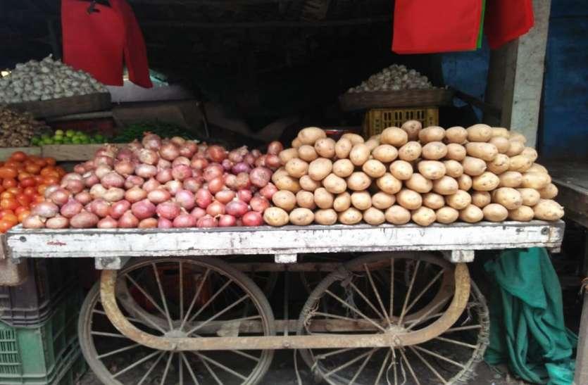 सब्जियों की खेती नष्ट, बढ़ी महंगाई