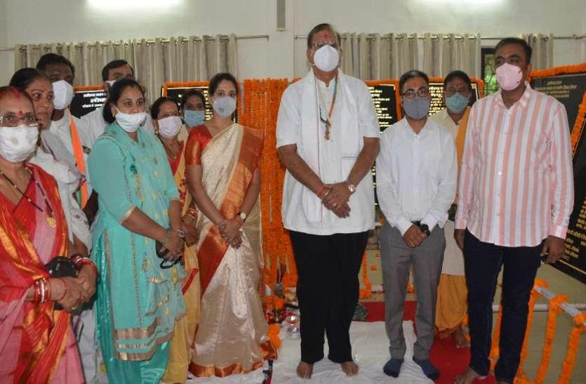 सीएम भूपेश बघेल ने हितग्राहियों से की सीधी चर्चा, महिला समूहों ने कहा, गोठान से आय अर्जित किया