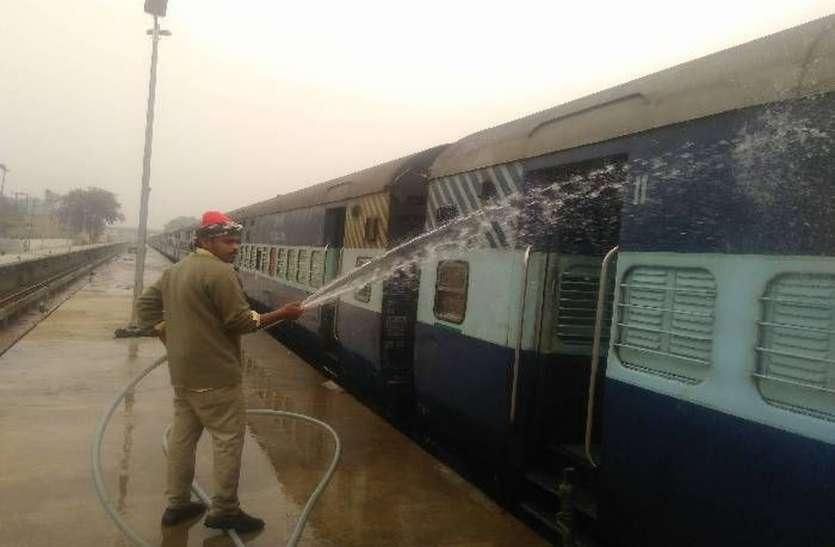 बाड़मेर में नयी वाशिंग लाइन स्वीकृत करने की रेल मंत्री से मांग