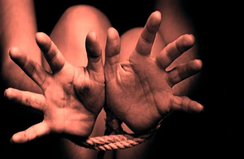 असम से लड़कियां लाकर लखनऊ में बेचने का प्लान,चाइल्ड ट्रैफिकिंगमामले में पति-पत्नी समेत पांच गिरफ्तार