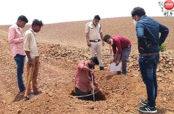 करोड़ों रुपए की जल जीवन योजना में लापरवाही, जमीन में डालने के बजाय लेवल पर डाल दिए पाइप