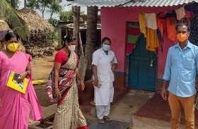 कोरोना जांच के लिए टीम आने की भनक लगने पर घरों में ताला जड़ खेतों में भागे ग्रामीण