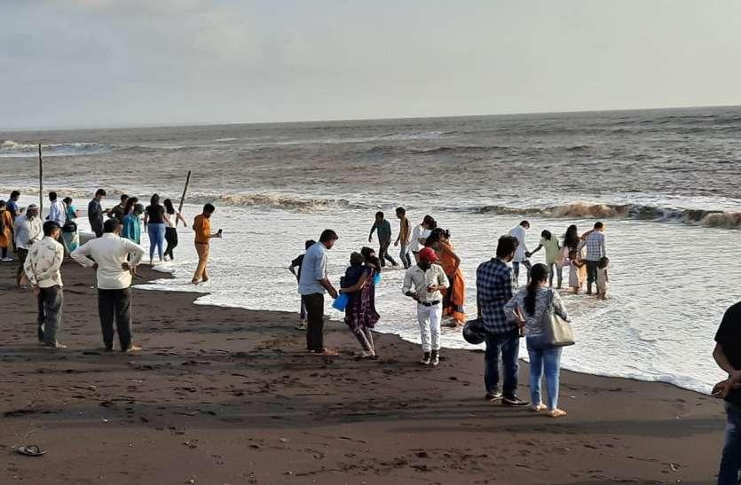 लम्बे अंतराल के बाद दमण में पर्यटकों की भीड़