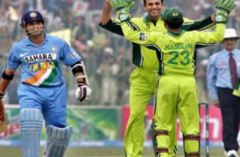 पाकिस्तानी खिलाड़ी अरशद खान बना टैक्सी ड्राइवर, सचिन और सहवाग को कर चुका है आउट