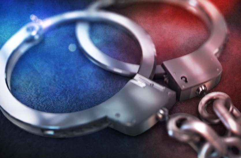 पांच हजार नकली हैंड सेनिटाइजर के साथ एक गिरफ्तार