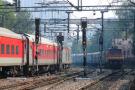 भारतीय रेलवे ने रद्द की 26 ट्रेनें, 6 के रूट डायवर्ट, यात्रा से पहले यहां देखें पूरी लिस्ट