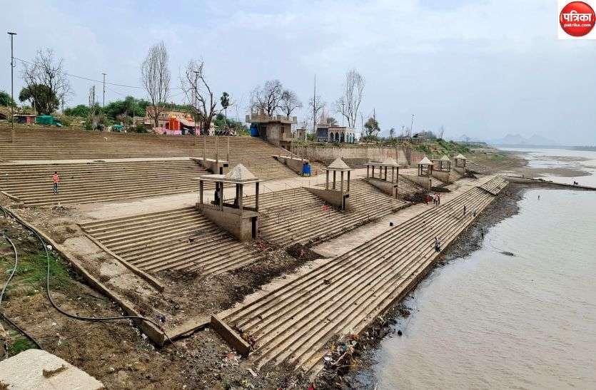 दो साल में पहली बार पूरी तरह खुला नया घाट, नर्मदा नदी का जलस्तर प्रतिदिन हो रहा कम