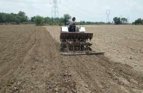 सोयाबीन फसल की लागत बढऩे से किसानों का मोह हुआ भंग, धान और उड़द की कर रहे बोवनी