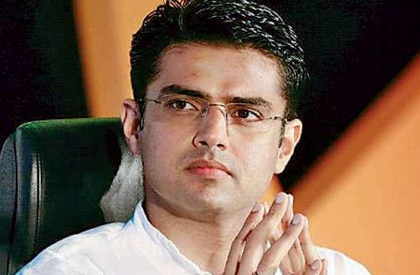 अलवर दौरे के बाद दिल्ली पहुंचे सचिन पायलट, सियासी बयानबाजी पर साधी चुप्पी