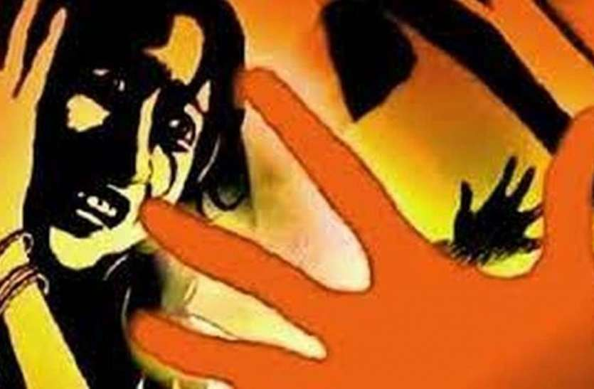 तलाकशुदा महिला से शादी का झांसा देकर किया बलात्कार, अश्लील वीडियो किया वायरल