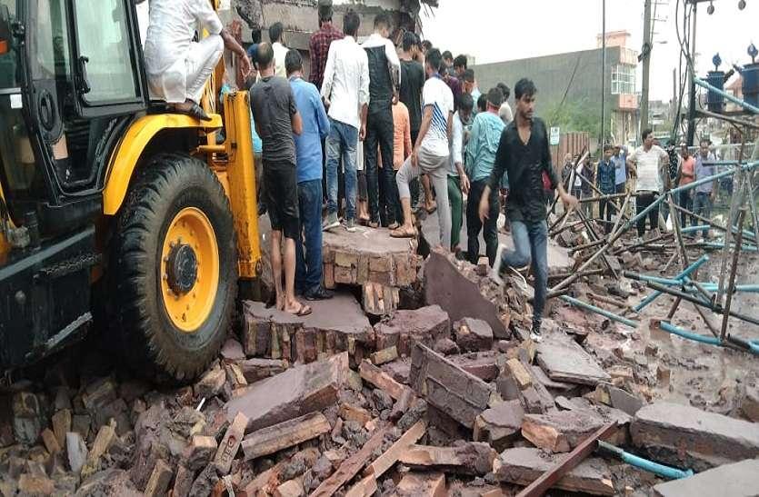 गंगाशहर में निर्माणाधीन इमारत गिरी, तीन की मौत, पांच घायल