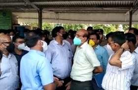 राष्ट्रपति के पैतृक गांव परौंख दौरे को लेकर रेलवे अफसर सक्रिय, दोनों स्टेशनों का जायजा लेने पहुंचे रेल महाप्रबंधक