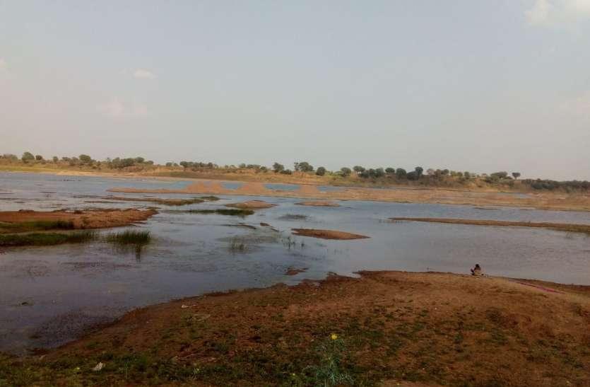 जिले में रेत की किल्लत से अब सितंबर -अक्टूबर के बाद ही मिल पाएगी राहत