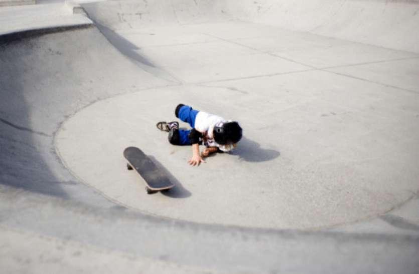 मल्टीस्टोरी क्वार्टर की चौथी मंजिल से गिरा 3 साल का बच्चा, मौत