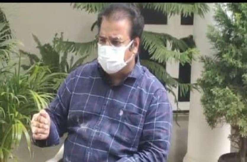 भाजपा प्रभारी पर खाचरियावास का निशाना, 'अपनी पार्टी की गुटबाजी संभालें'