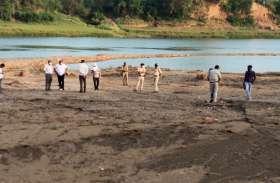 रेत खदानों में एनजीटी की जांच में बाधा पहुंचाने पर रमाकांत कौरव पर मामला दर्ज