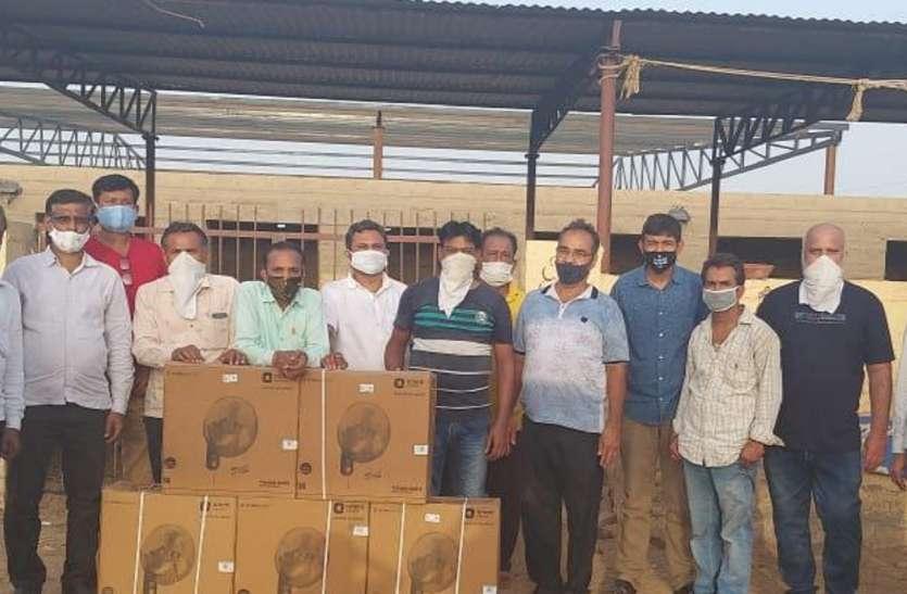 तुलसी गोशाला के संकट मोचक के रूप में सामने आया जैसलमेर खाद्य व्यापार संघ