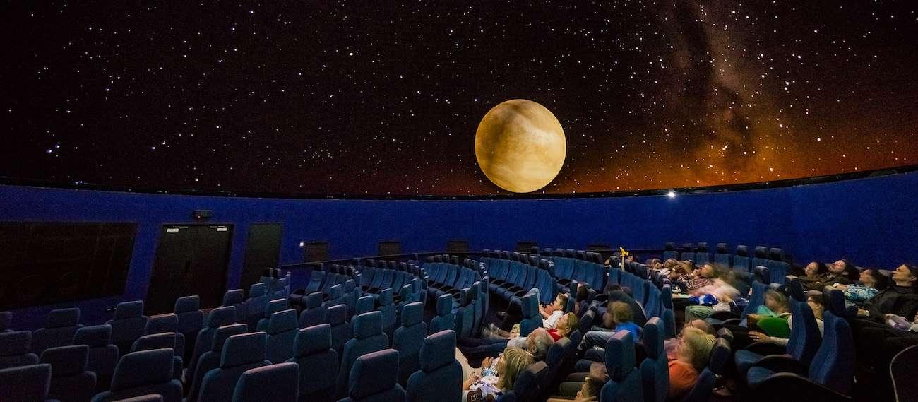 दूसरे विश्वयुद्ध का बंकर अब दुनिया का पहला 10K  3D तारामंडल