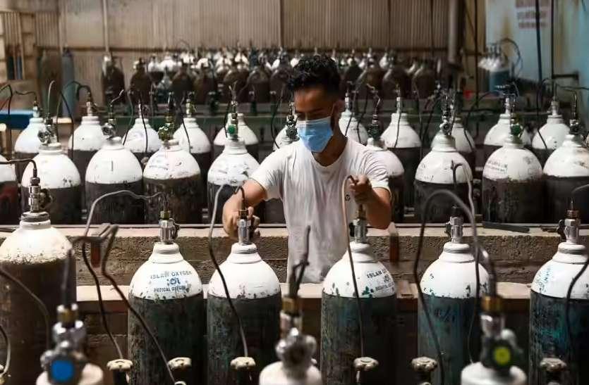 SC पैनल ने की केंद्र के फैसलों की तारीफ, कहा- दूसरी लहर में ऑक्सीजन का उत्पादन बढ़ाकर लोगों को बचाया